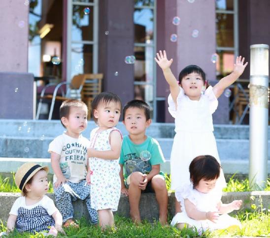 オーディション撮影風景 小さい子チームはしゃぼん玉に夢中