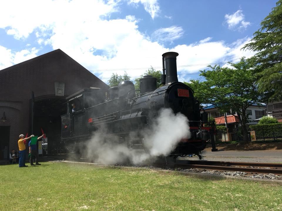 日本工業大学内に動態保存された蒸気機関車