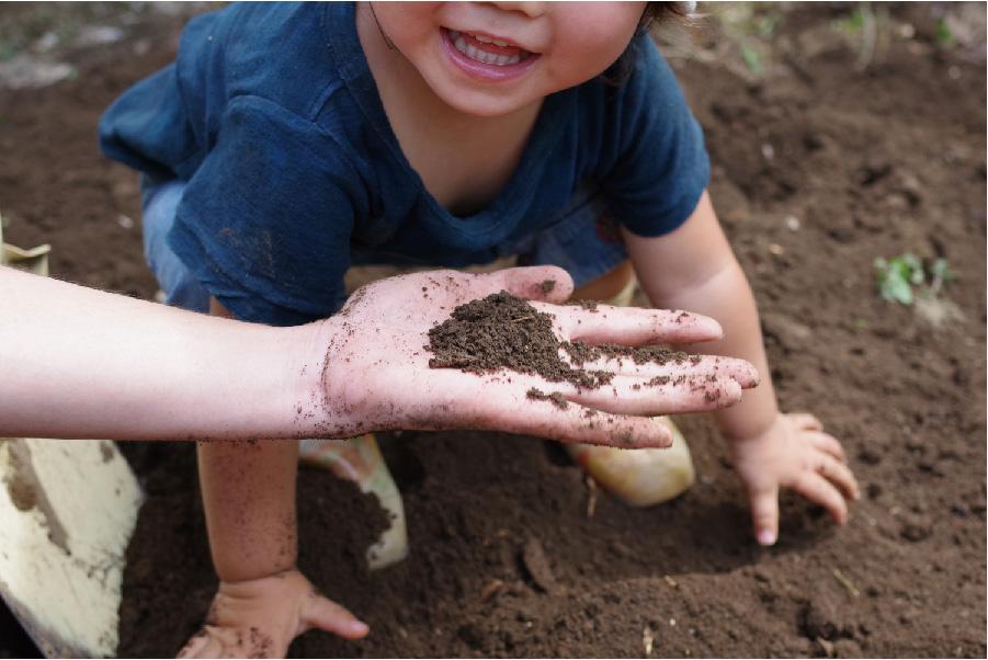土に癒されるくらし