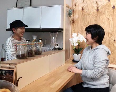 TiTi cafe 野口さんと(写真左)