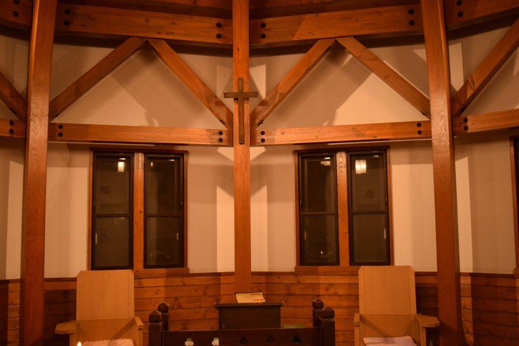 和戸教会 会堂の十字架